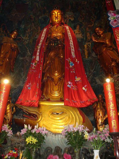 Храм Нефритового Будды (玉佛寺 YuFoSi)